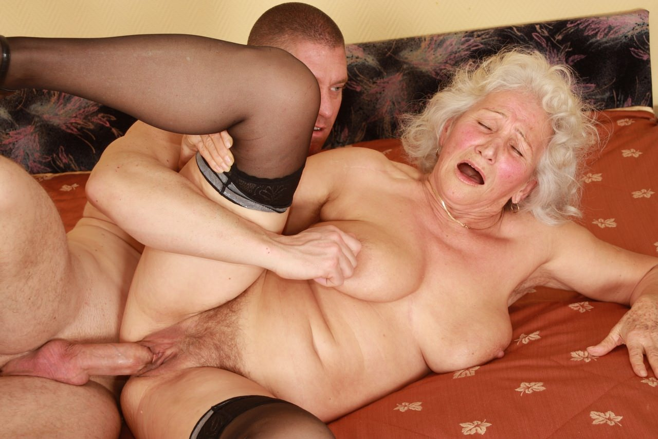 free-old-lady-fuck-movies