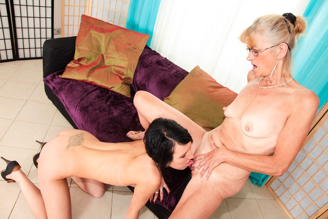 Granny lesbian watches two loving women