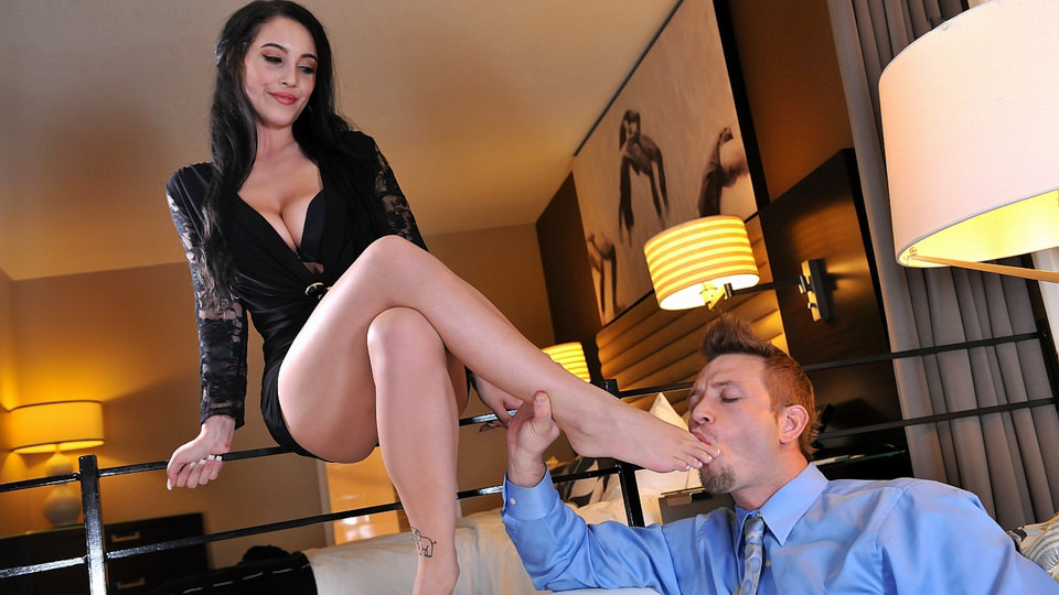 Noelle Easton | Affair in the hotel room | Footsie Babes