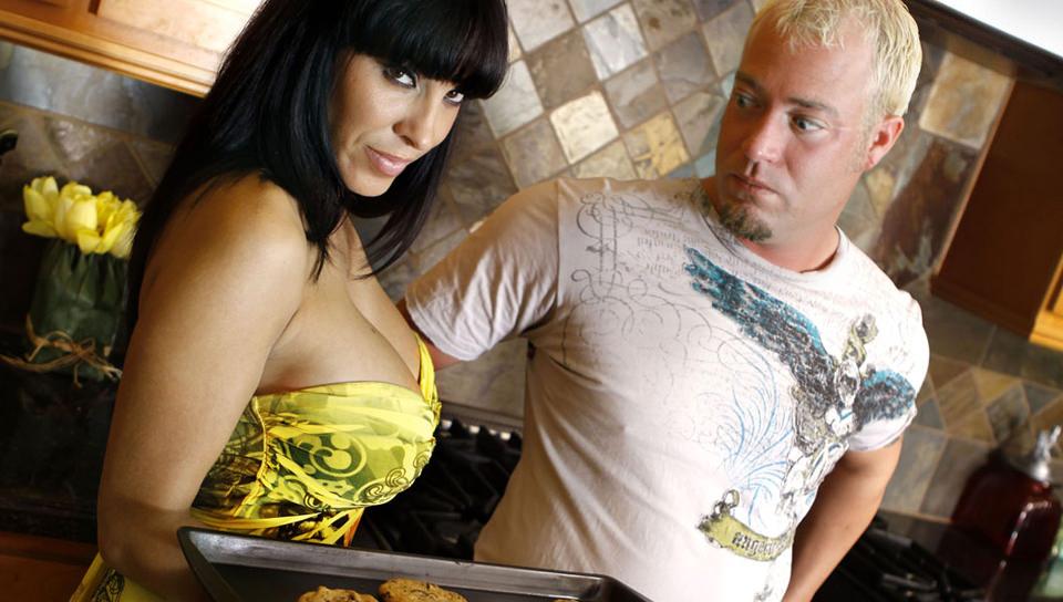 Big Titty MILFs – Veronica Rayne