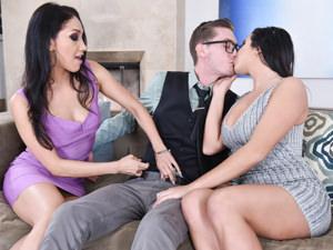Karlee & Vicky's Threesome Cum True, Scene #01