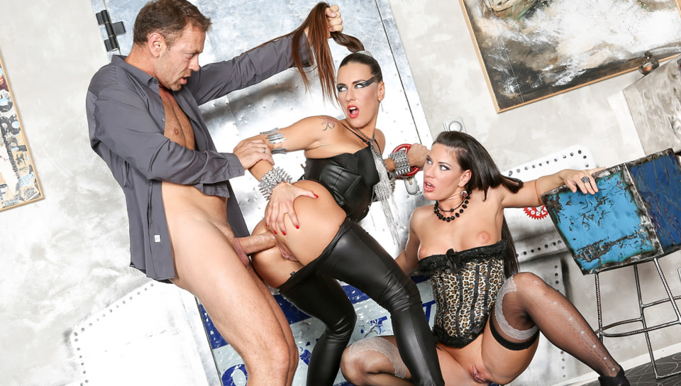 Screenshot 3 from the Rocco Siffredi's Slutty Girls Love Rocco 14