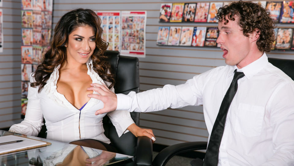 Big Tit Office Chicks – Raven Hart