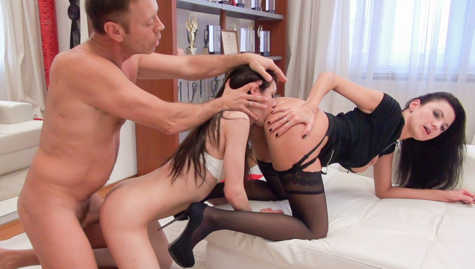 Ania & Leona's Casting Couch Anal Orgy
