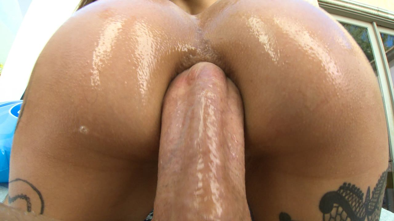 Screenshot 3 from the Mike Adriano's Tight Anal Sluts #3