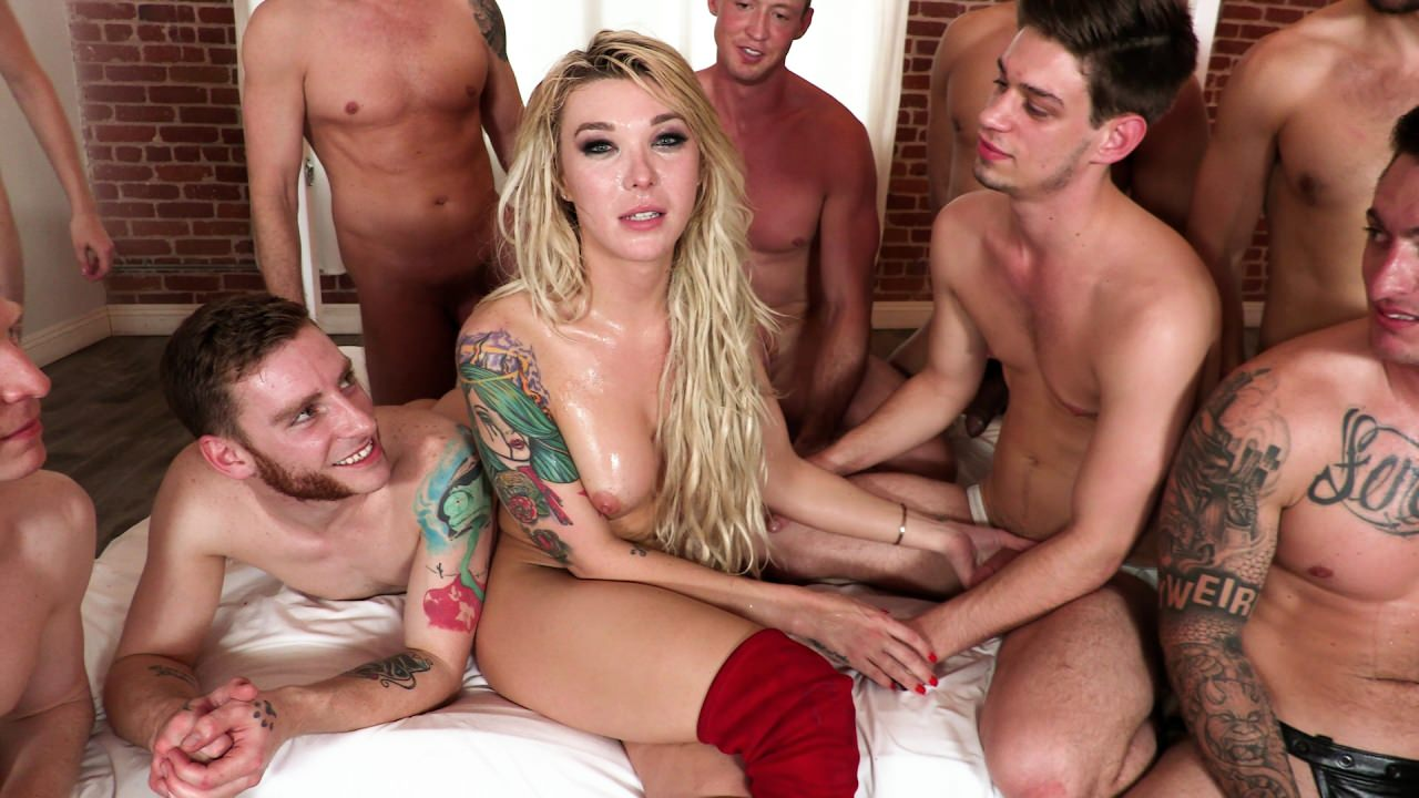 Screenshot 3 from the Aiden Starr's Aubrey Kate Plus 8