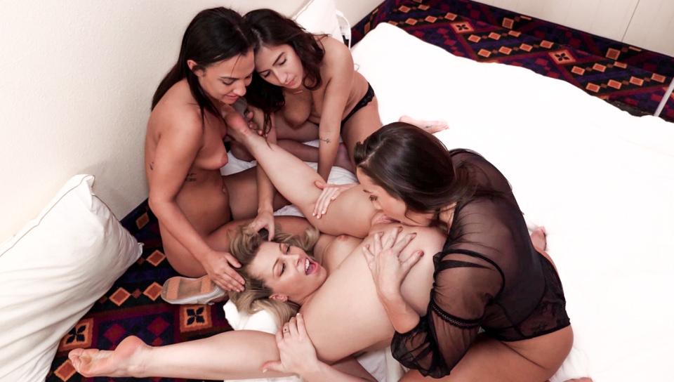 Abigail Mac, Amara Romani, April ONeil, Zoey Monroe