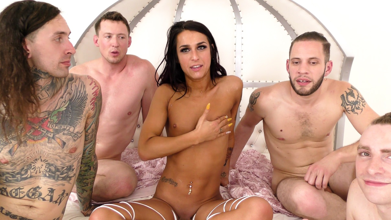 Screenshot 3 from the Aiden Starr's TS Gangbangs 2