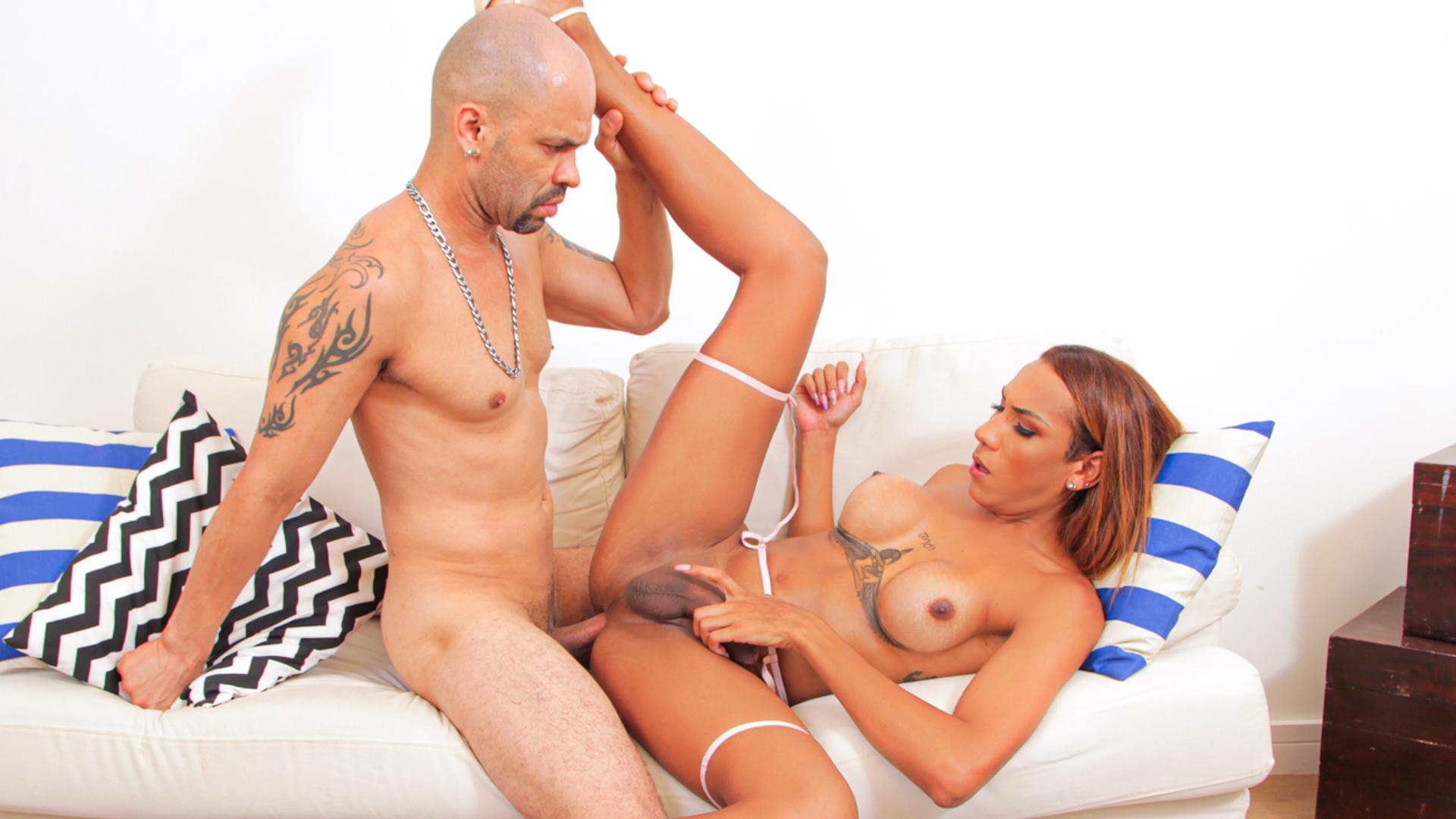 TS Maria Flavia + Stud: BJs, Anal, Cum